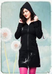 aw18 lb hoodie black