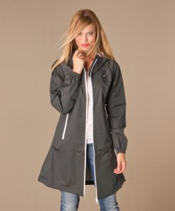 danefaevesterhav-rainjacket-dark-grey-01